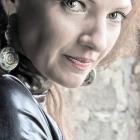 Anja. 2011.